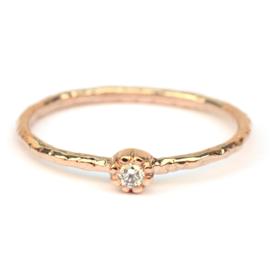 Fijne roodgouden Naoki ring met witte diamant