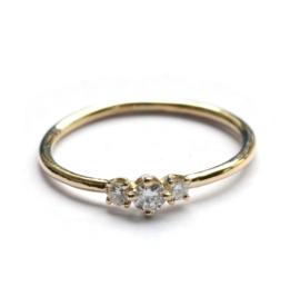 Ring met drie diamanten voor A.