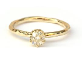 Verlovingsring met bolsjewiekdiamant