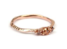 Roodgouden ring met cognackleurige diamanten