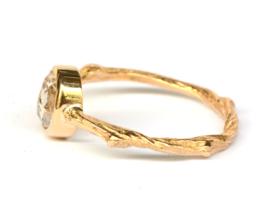 Twiggy ring met antieke diamant