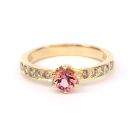 Ring met roze toermalijn en salt & pepper diamanten