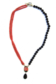 Necklace of coral and lava with limoge