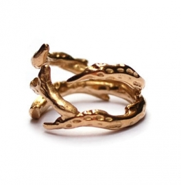 Ring with golden antlers