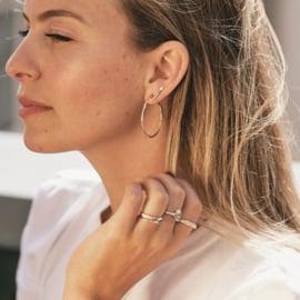 Single oorsteker met groene diamanten GERESERVEERD