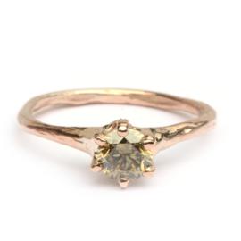 Forest ring met olijfgroene diamant