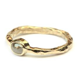 Ruwe ring met grijze roosdiamant
