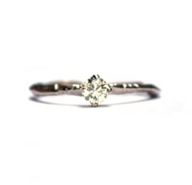 Witgouden ring met cape diamant