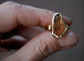 Gouden ring met imperial topaas