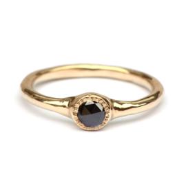 Ring met zwarte roosdiamant