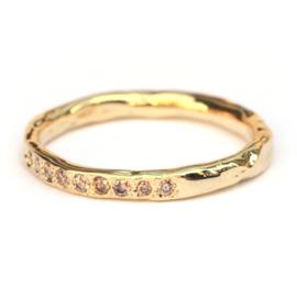 Grillige aanschuifring met 9 pinkish brown diamanten