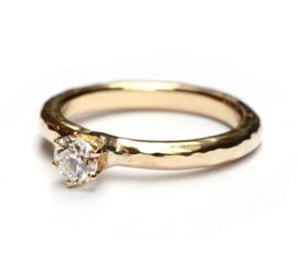Verlovingsring met Hearts & Arrow diamant