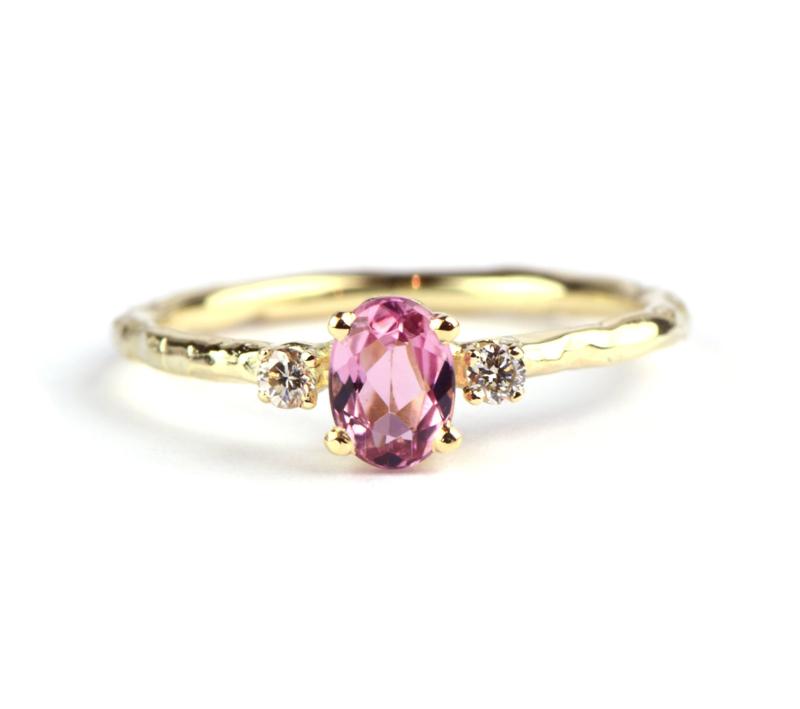 Ring met roze toermalijn en diamanten