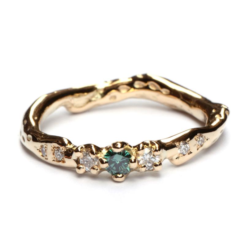 Umiko ring met groene en witte diamanten