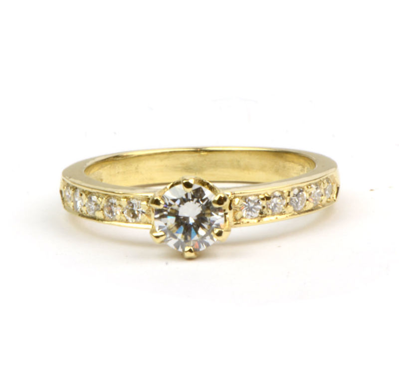 Ring voor Dolly