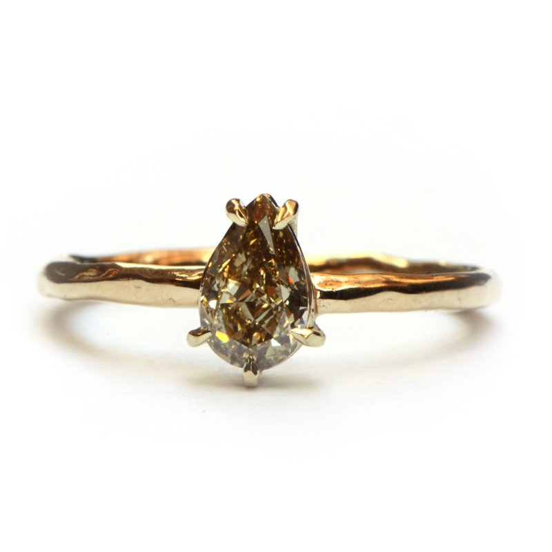 Ring met champagne diamant