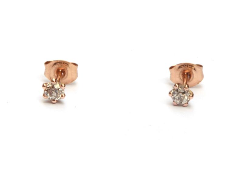 Old cut diamanten oorstekers in roodgoud