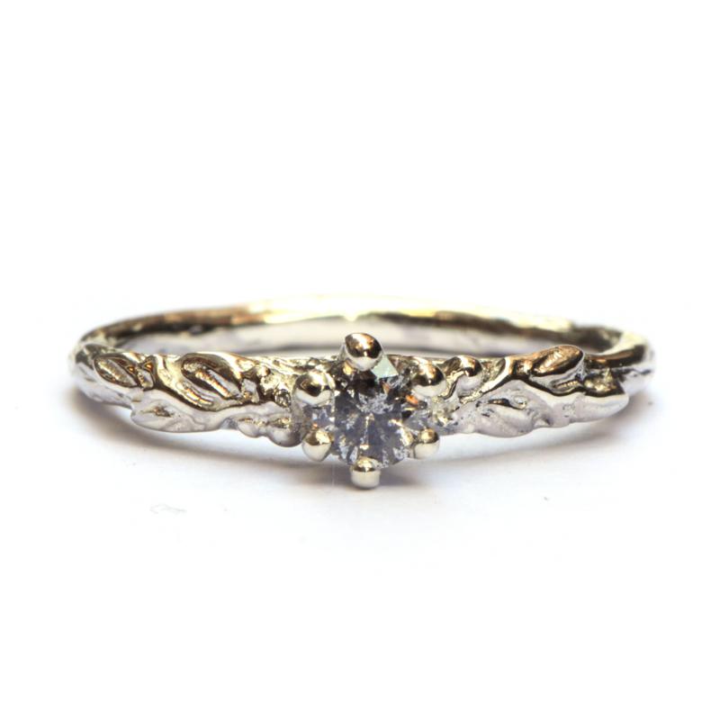 Ring Amélie met salt & pepper diamant