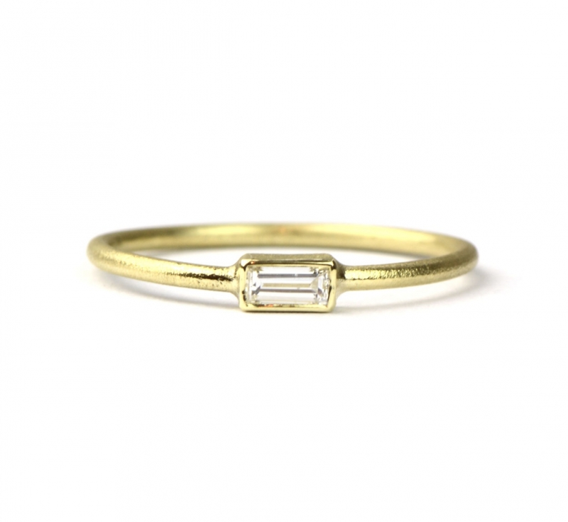 Ring met baguette geslepen diamant