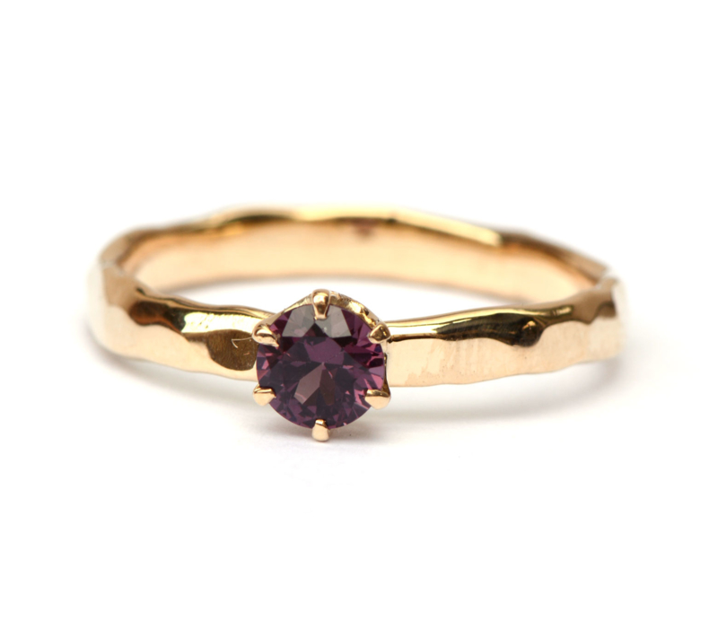 Ring met spinel
