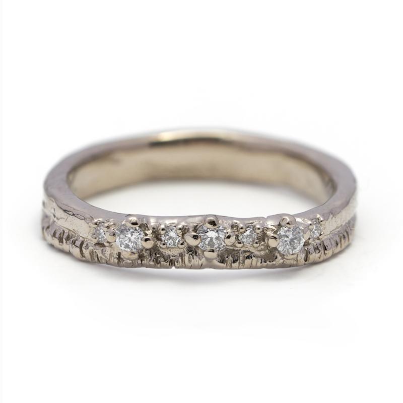Witgouden Indy ring met diamantjes