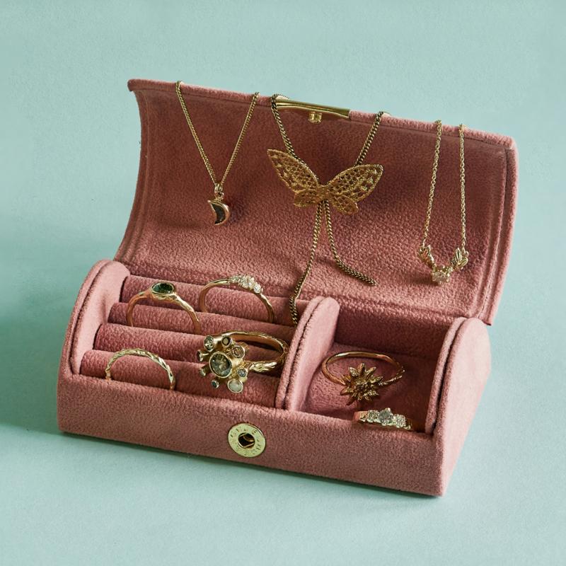 Oudroze velvet sieraden bewaardoosje