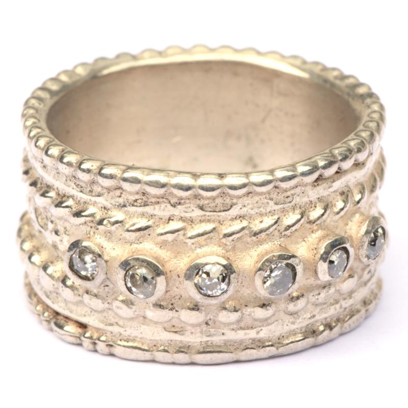 Zilveren pareldraadring met diamantjes