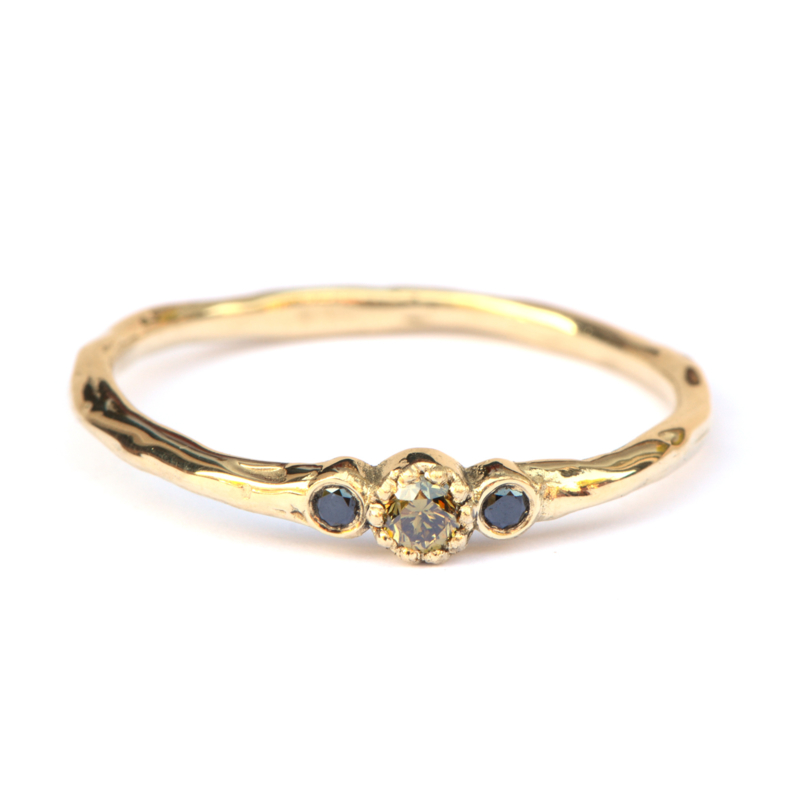 Minnie ring met olive green en zwarte diamant