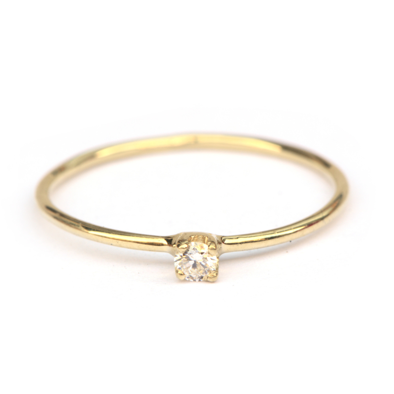 Tiny diamond ring met witte diamant