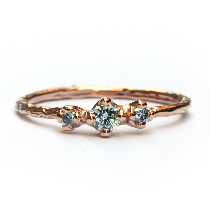 Ring Nico met drie ice blue diamanten