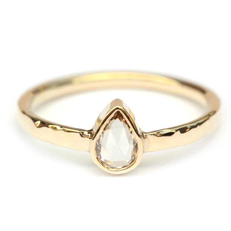 Ring met diamanten druppel