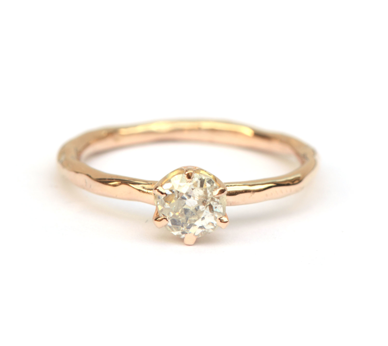 Rosegouden ring met bolsjewiek geslepen diamant