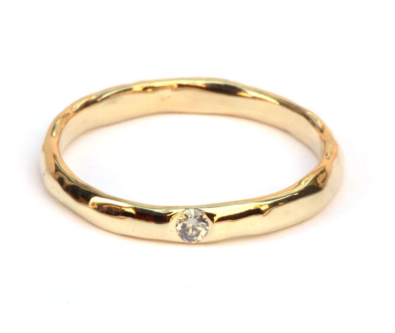 Smalle ring met grijze diamant