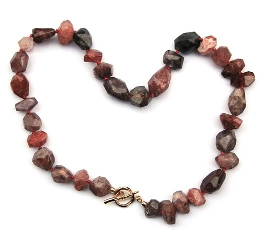 Collier spinel