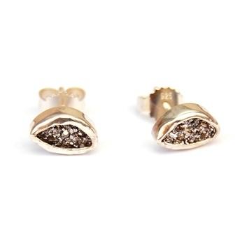 Zilveren oorstekers met kwarts
