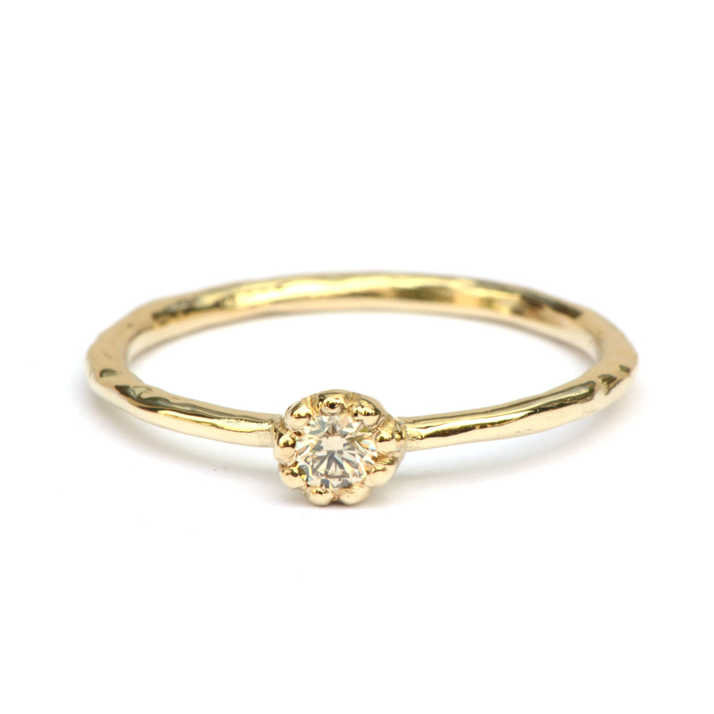 Naoki ring met fancy diamant