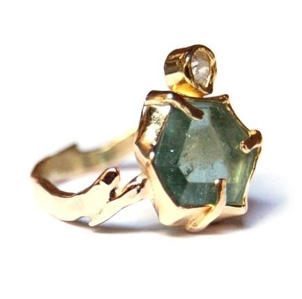 Groene ring met diamant