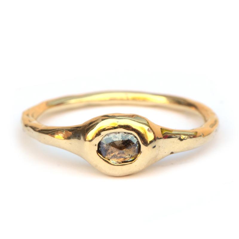 Robuuste ring met ovale roosdiamant
