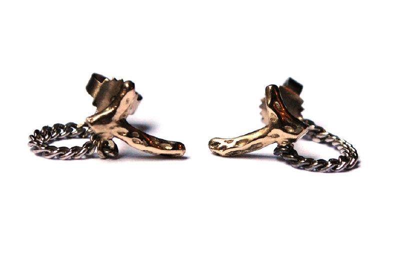 Earrings with twigs