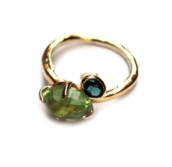 Ring van eigen goud met titanite en toermalijn