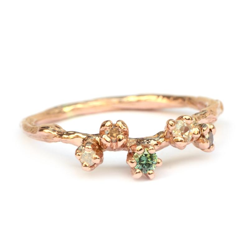 Grillige aanschuifring met fancy diamanten