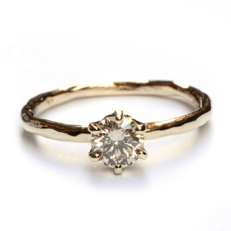 Ring met champagnediamant