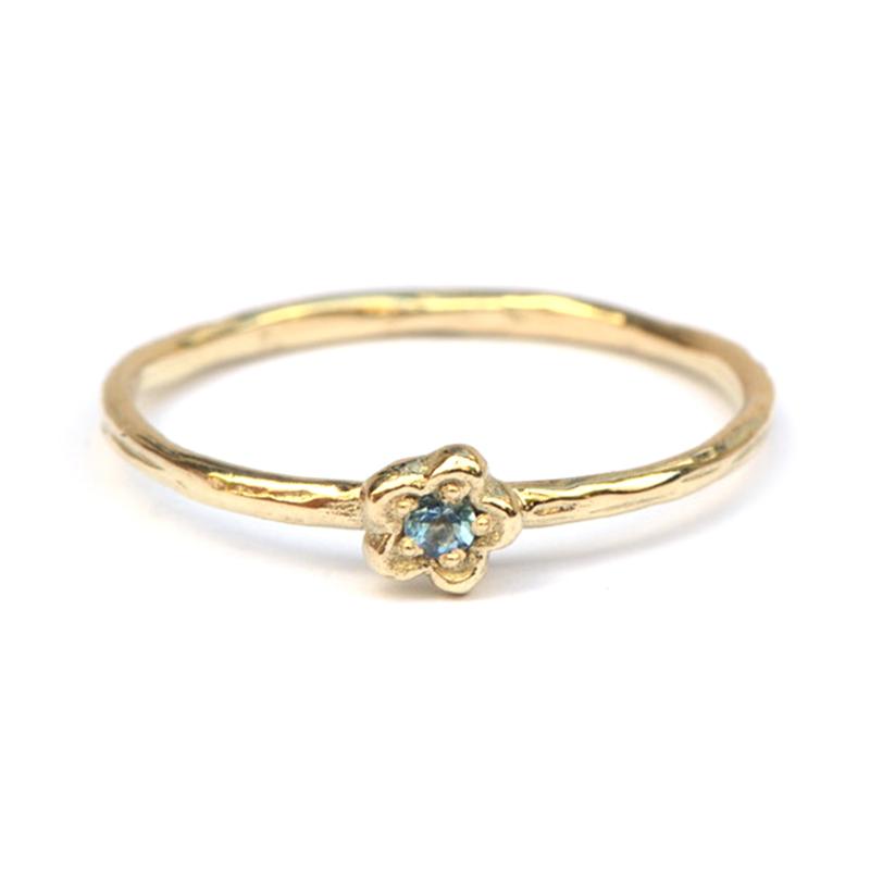 Ring Blossom met aquamarijn