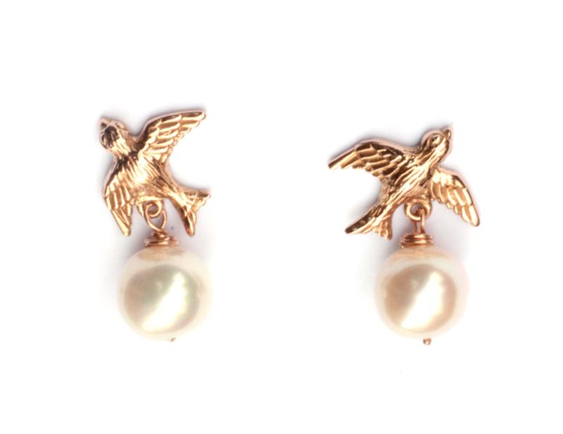 Zwaluw oorsieraden rosegoud met parels