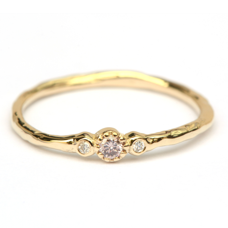 Minnie ring met pinkish brown diamant