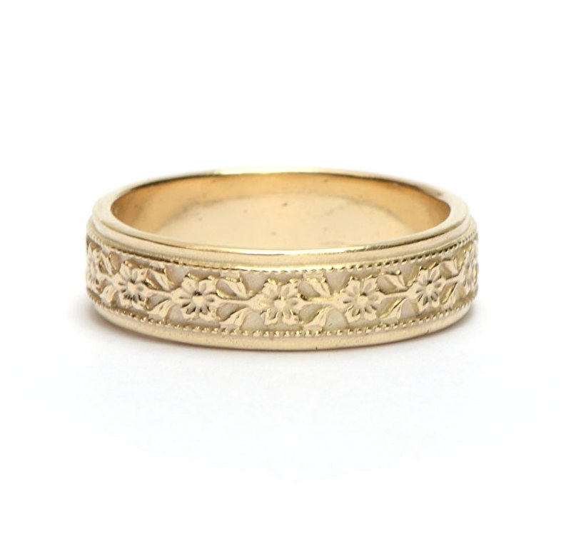 Unisex wedding ring with floral band
