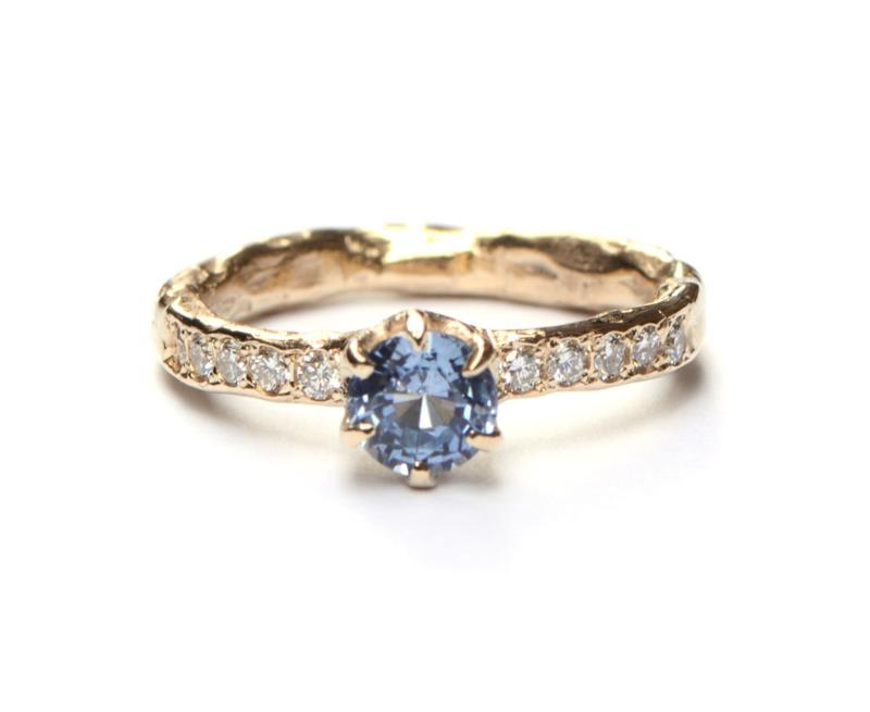 Koninklijke ring met saffier