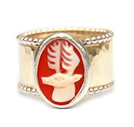 Wedding ring with deer cameo