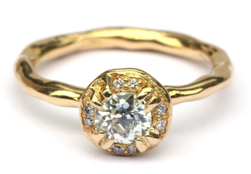 Ring met antieke bolsjewiek diamant