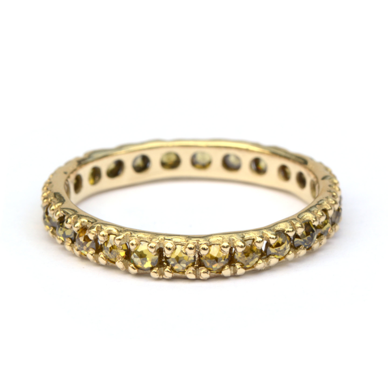 Eternity ring met natural green diamantjes